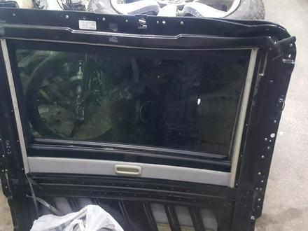 Стекло люка мерседес с-240 w203 за 15 000 тг. в Актобе