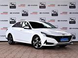 Hyundai Elantra 2021 года за 13 590 000 тг. в Алматы – фото 3