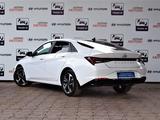 Hyundai Elantra 2021 года за 13 590 000 тг. в Алматы – фото 5