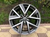 Оригинальные диски R20 на VW Touareg III (Туарег) за 600 000 тг. в Алматы – фото 3