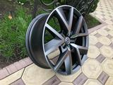 Оригинальные диски R20 на VW Touareg III (Туарег) за 600 000 тг. в Алматы – фото 5