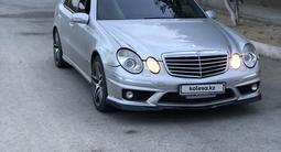 Mercedes-Benz E 500 2004 года за 4 800 000 тг. в Шымкент – фото 2