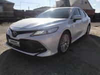 Toyota Camry 2018 года за 13 500 000 тг. в Атырау