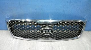 Решетка радиатора на Kia Sorento за 55 000 тг. в Алматы