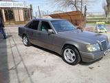 Mercedes-Benz E 220 1993 года за 1 900 000 тг. в Шымкент – фото 3