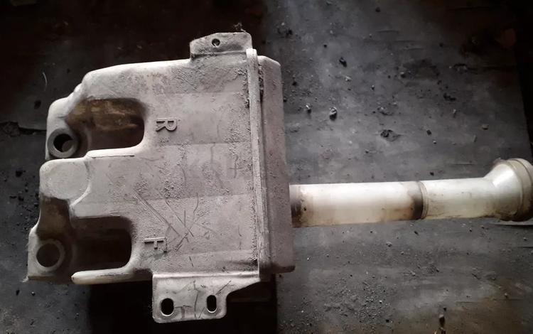 Бачок омывателя на Nissan Primera w10, v1.6, JA16 (1996 год)… за 4 000 тг. в Караганда