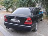 Mercedes-Benz C 280 1995 года за 1 700 000 тг. в Шымкент – фото 2