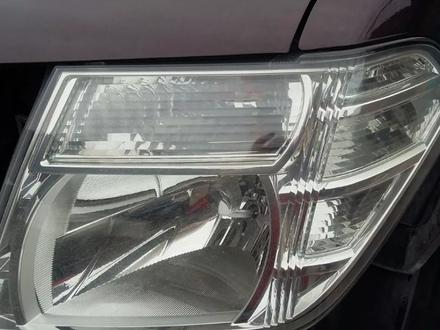 Фара передняя Nissan Pathfinder 2010 за 40 000 тг. в Алматы