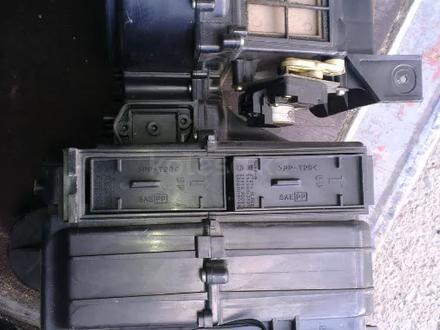 Корпус печки электро моторчик заслонки ниссан пессаж в Алматы – фото 2