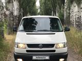 Volkswagen Caravelle 2002 года за 5 500 000 тг. в Алматы