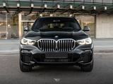 BMW X5 2020 года за 38 295 000 тг. в Алматы – фото 3