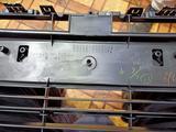 Решетка бампера оригинал Camry 55 за 75 000 тг. в Алматы – фото 3