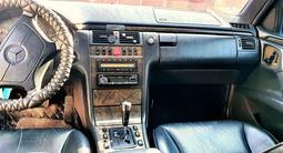 Mercedes-Benz E 280 1998 года за 3 200 000 тг. в Актау – фото 4