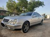 Mercedes-Benz CLK 200 1998 года за 1 700 000 тг. в Кызылорда – фото 2