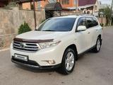 Toyota Highlander 2013 года за 15 900 000 тг. в Алматы
