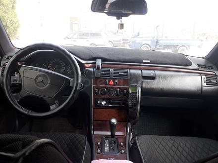 Mercedes-Benz E 280 1996 года за 2 800 000 тг. в Шымкент – фото 4
