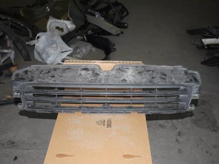 Решетка в бампер центральная Lexus CT 200h за 999 тг. в Караганда
