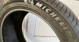 Почти новый комплект Michelin за 250 000 тг. в Алматы – фото 2