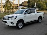 Toyota Hilux 2017 года за 15 700 000 тг. в Алматы – фото 2