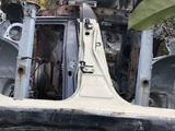 Центральная стойка с частью порога правая на лексус рх 300 за 20 000 тг. в Караганда