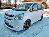 Toyota Noah 2011 года за 5 500 000 тг. в Алматы