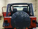 Jeep Wrangler 1993 года за 4 250 000 тг. в Семей – фото 4