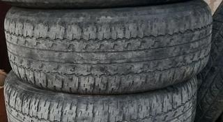 Автошины Bridgestone 265/65 R17 за 20 000 тг. в Атырау