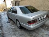Mercedes-Benz E 220 1999 года за 1 350 000 тг. в Алматы – фото 4