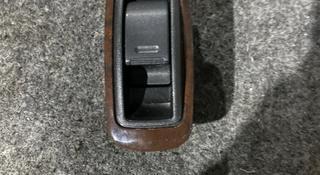 Кнопка управления стеклоподъемниками на тойота камри-25 за 5 000 тг. в Алматы