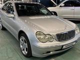 Mercedes-Benz C 240 2000 года за 4 100 000 тг. в Алматы – фото 3