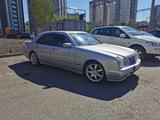 Mercedes-Benz E 320 2000 года за 3 700 000 тг. в Петропавловск – фото 2