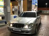 Mercedes-Benz E 200 2005 года за 3 500 000 тг. в Актау – фото 3