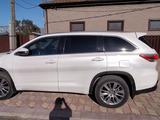 Toyota Highlander 2014 года за 15 000 000 тг. в Уральск – фото 3