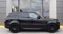 Land Rover Range Rover Sport 2019 года за 52 000 000 тг. в Алматы – фото 3