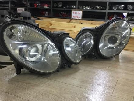 Фары mercedes w211 до рестайлинг ксенон за 100 000 тг. в Актобе
