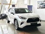 Toyota Highlander 2021 года за 34 500 000 тг. в Алматы – фото 2