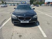 BMW 750 2010 года за 7 300 000 тг. в Алматы
