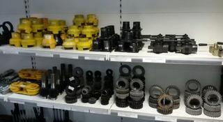Запчасти на Автокран цилиндры моторы, гидронасосы, трос, паук, вал, ось в Актобе