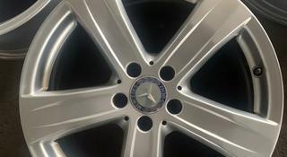 На Mercedes диски r18 оригинал w222, 221 за 190 000 тг. в Алматы