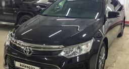 Toyota Camry 2015 года за 9 800 000 тг. в Актобе – фото 5
