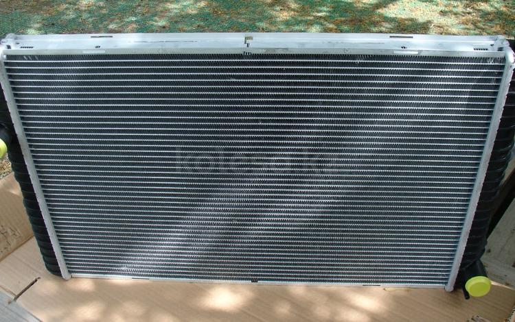 Радиатор системы охлаждения Land Rover Discovery 2 V8 за 60 000 тг. в Алматы