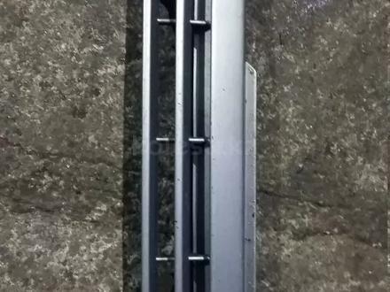 Решетка радиатора опель вектра а за 5 000 тг. в Караганда