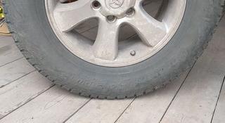 Диски на а/м Toyota LC Prado с зимней резиной за 150 000 тг. в Петропавловск