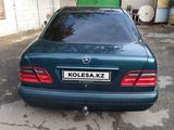 Mercedes-Benz E 220 1997 года за 2 500 000 тг. в Павлодар – фото 4