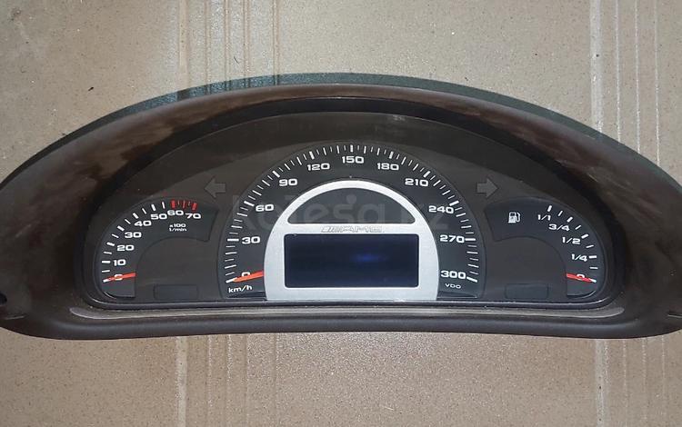 Панель приборов Mercedes W203 C32 AMG за 78 910 тг. в Алматы