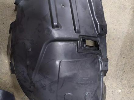 Подкрыльник передний правый на mercedes за 35 000 тг. в Алматы – фото 2