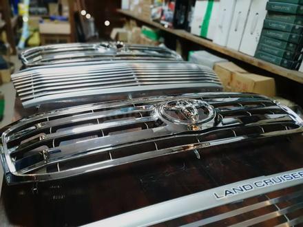 Решетки радиатора на Toyota LAND Cruiser 100 за 30 000 тг. в Алматы – фото 10