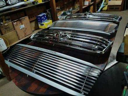 Решетки радиатора на Toyota LAND Cruiser 100 за 30 000 тг. в Алматы – фото 11
