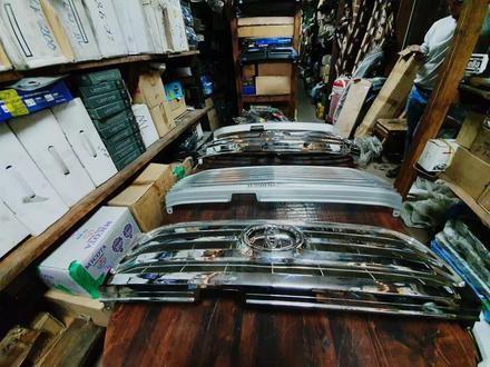 Решетки радиатора на Toyota LAND Cruiser 100 за 30 000 тг. в Алматы – фото 7