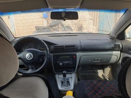 Volkswagen Passat 1997 года за 1 600 000 тг. в Уральск – фото 2